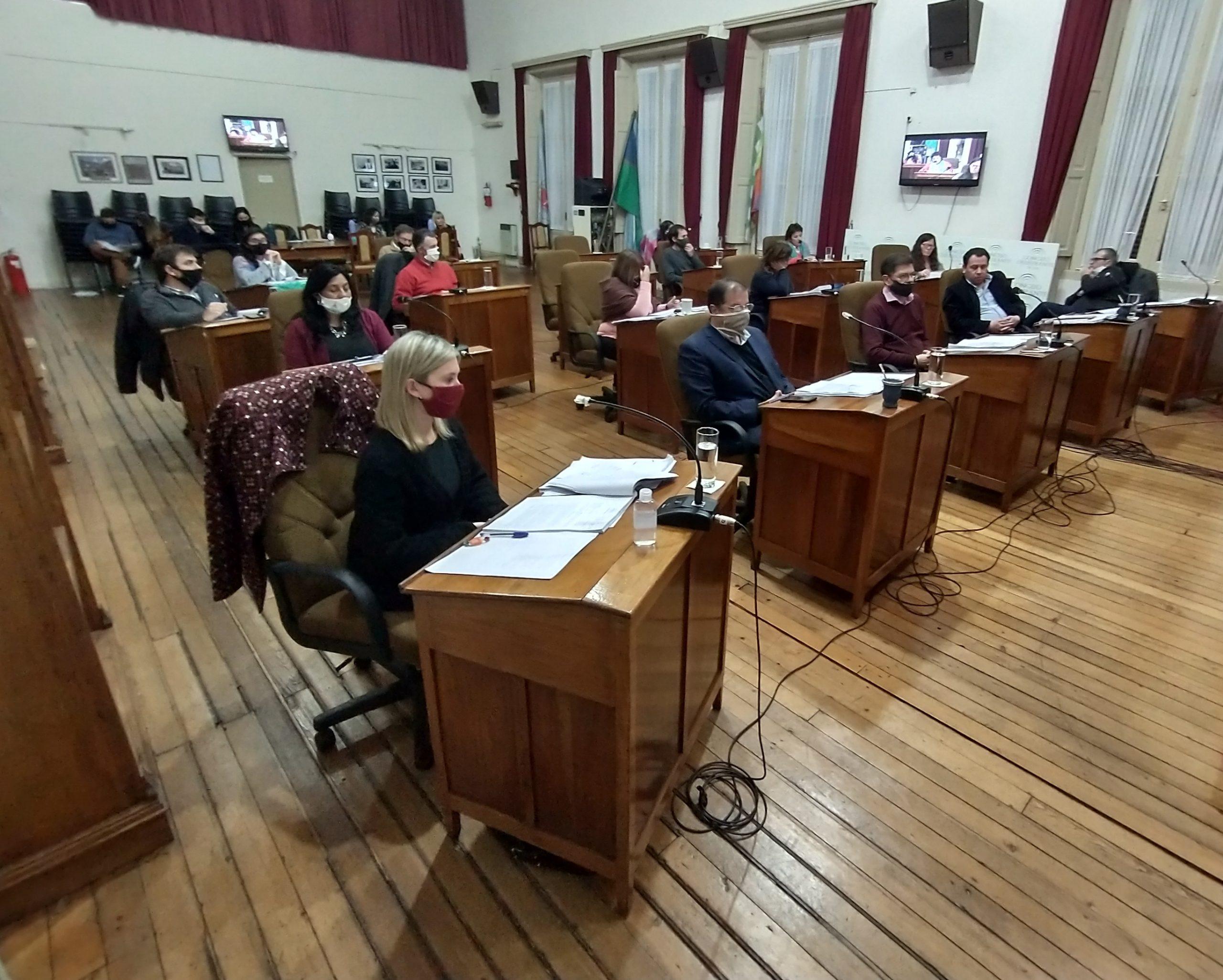 Concejo Deliberante: Décimo tercera y décimo cuarta Sesión Ordinaria
