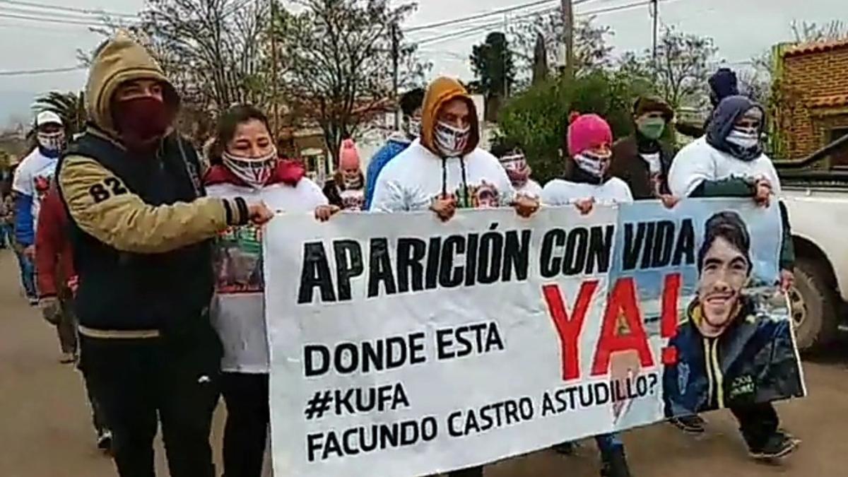 Un subcomisario de la Polícia Bonaerense amenazó al abogado de la familia de Facundo Castro
