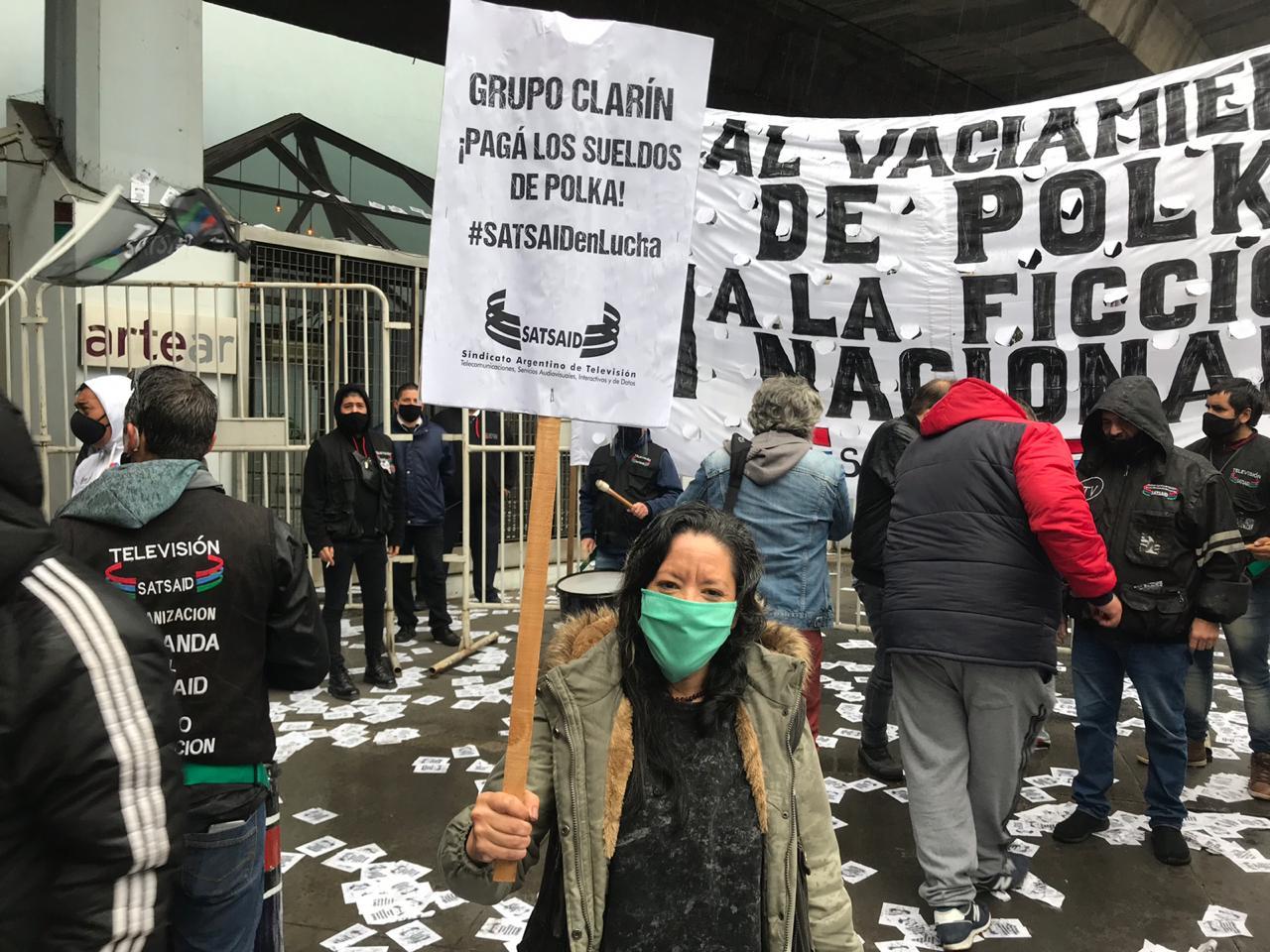 Movilización contra el vaciamiento de Pol-Ka y en defensa de los puestos de trabajo y la ficción nacional