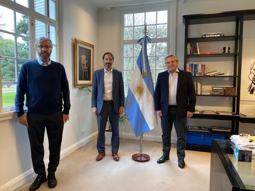 El Presidente recibió en Olivos a quienes investigan la posible vacuna contra el COVID-19.