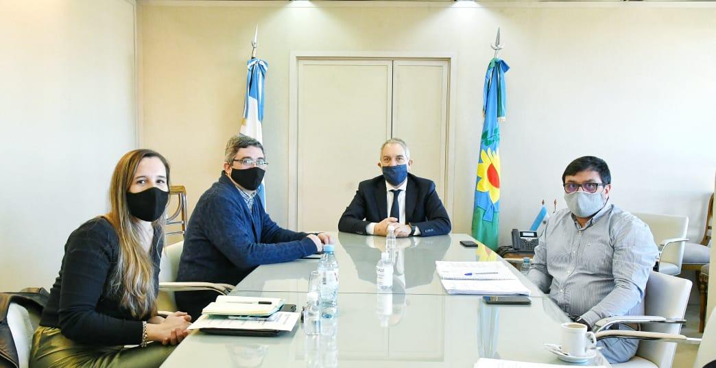 Acuerdo de dos ministerios provinciales para fomentar actividades laborales agropecuarias