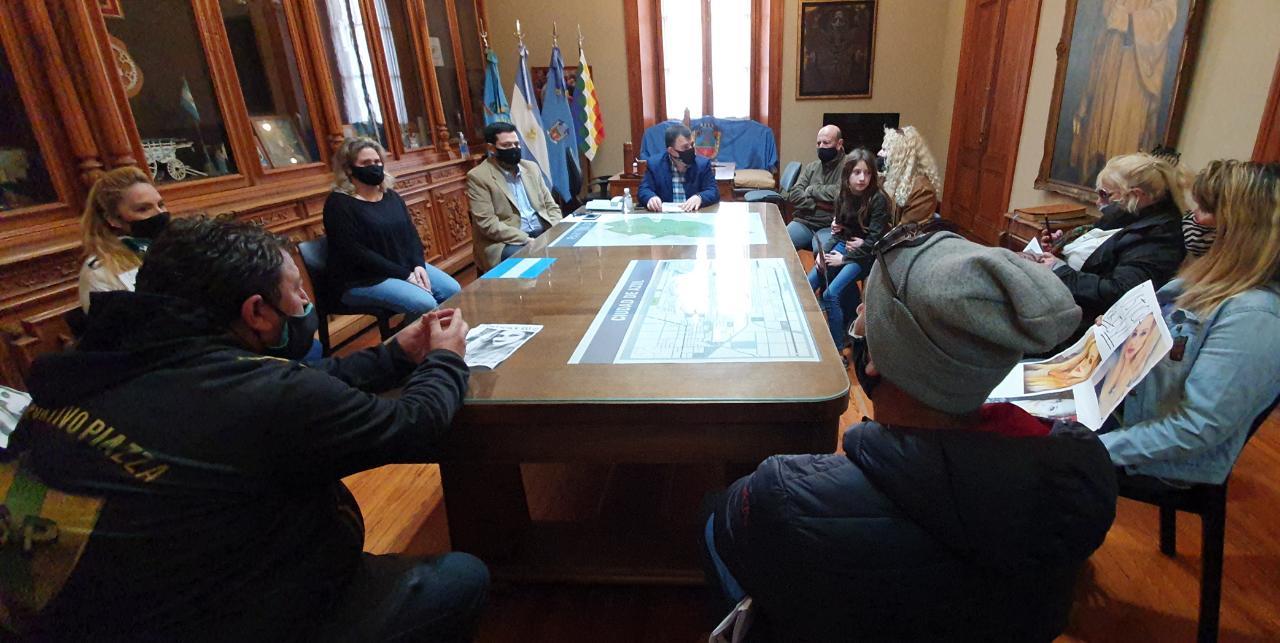 El intendente Bertellys se reunió con familiares de Eliana Mendilaharzu