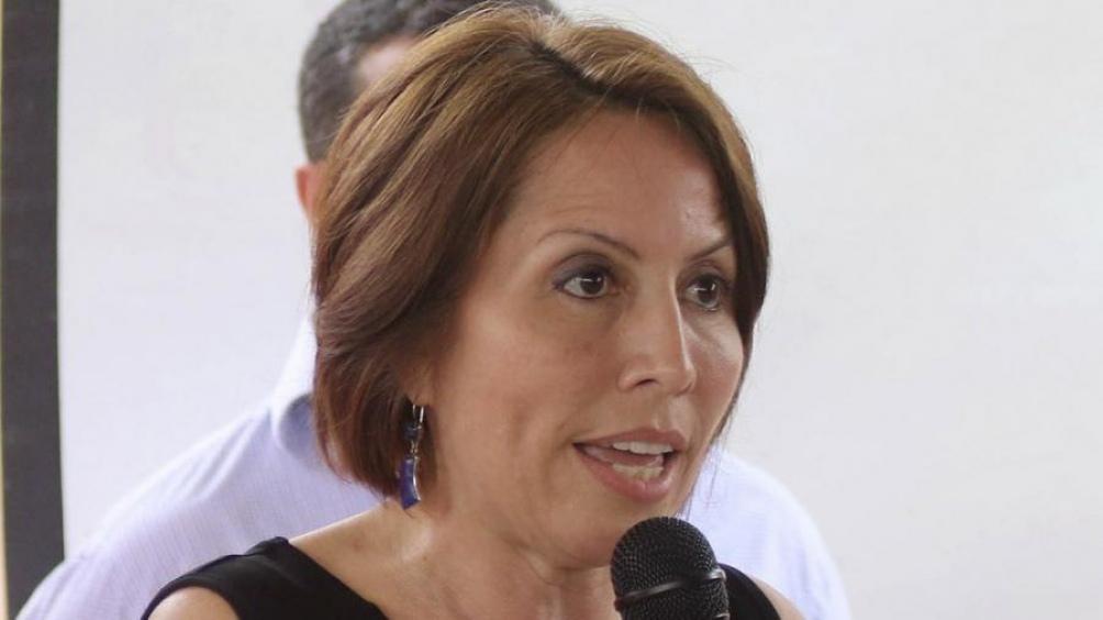 """Exministra de Correa, acogida en la Embajada argentina en Quito """"por razones humanitarias"""""""