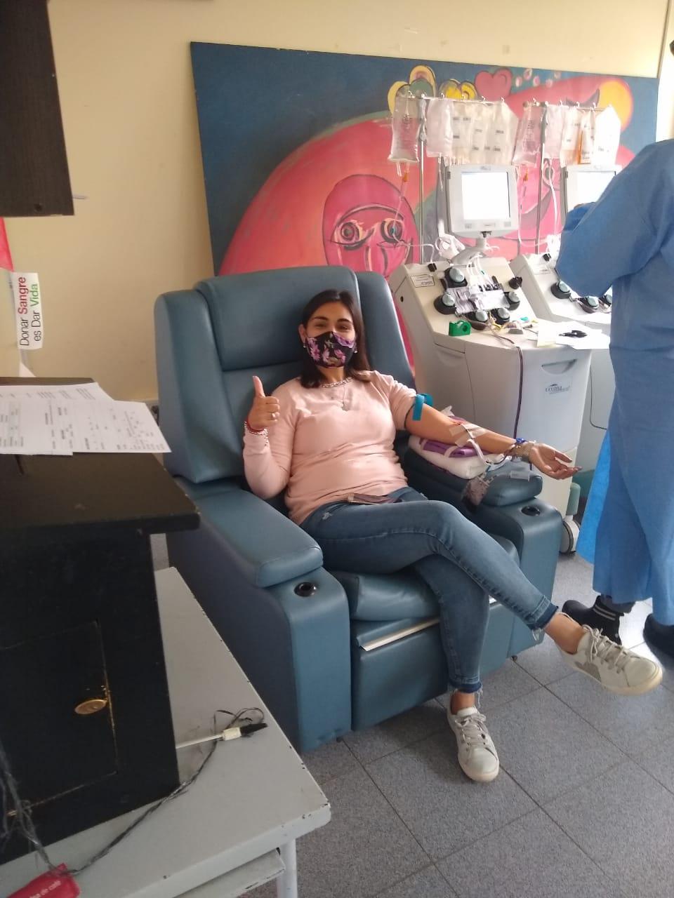 Pacientes recuperados de Cacharí donaron plasma
