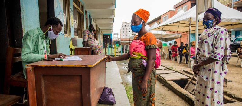 La pandemia COVID-19 aumentará la brecha de pobreza entre mujeres y hombres