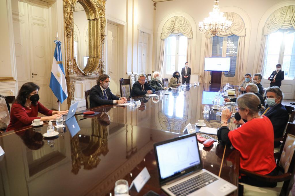 Coronavirus: El Presidente encabeza reunión con el grupo de expertos que asesora al Gobierno