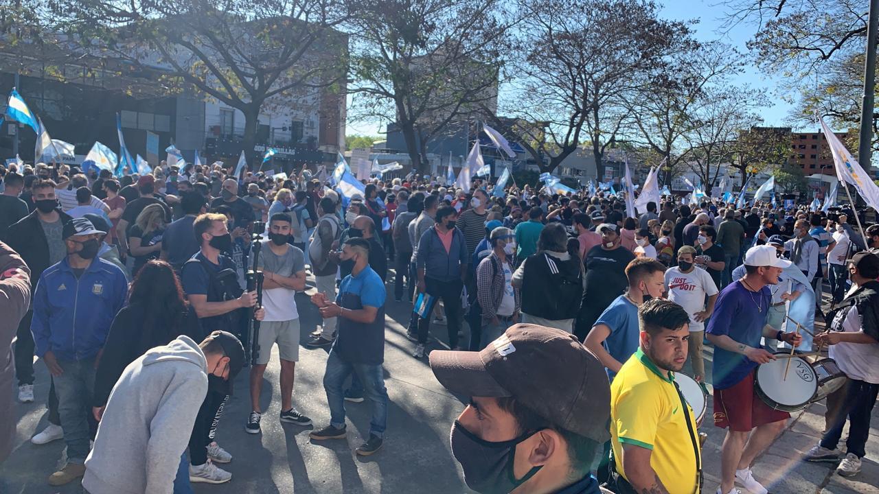 """Agrupaciones políticas en la residencia de Olivos: """"Venimos a brindar nuestro apoyo al presidente Alberto Fernández y convocamos a todos los argentinos que deseamos que al gobierno le vaya bien, a estar unidos """"."""
