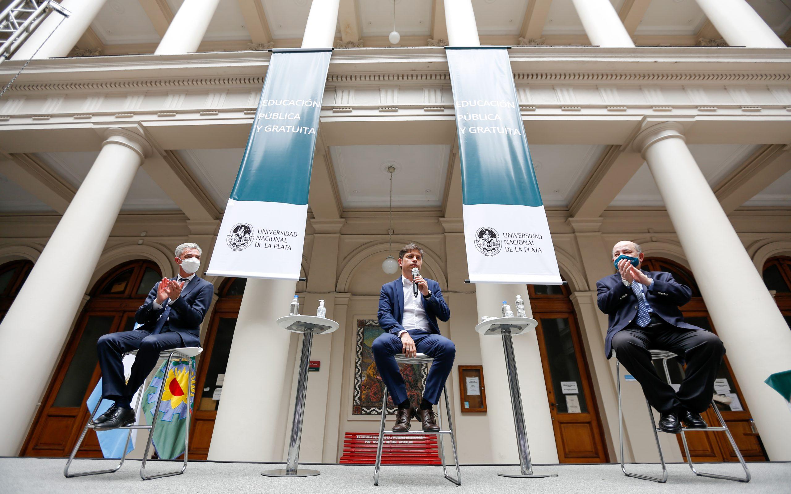Kicillof firmó un convenio para avanzar en la construcción de un polo científico y administrativo en La Plata