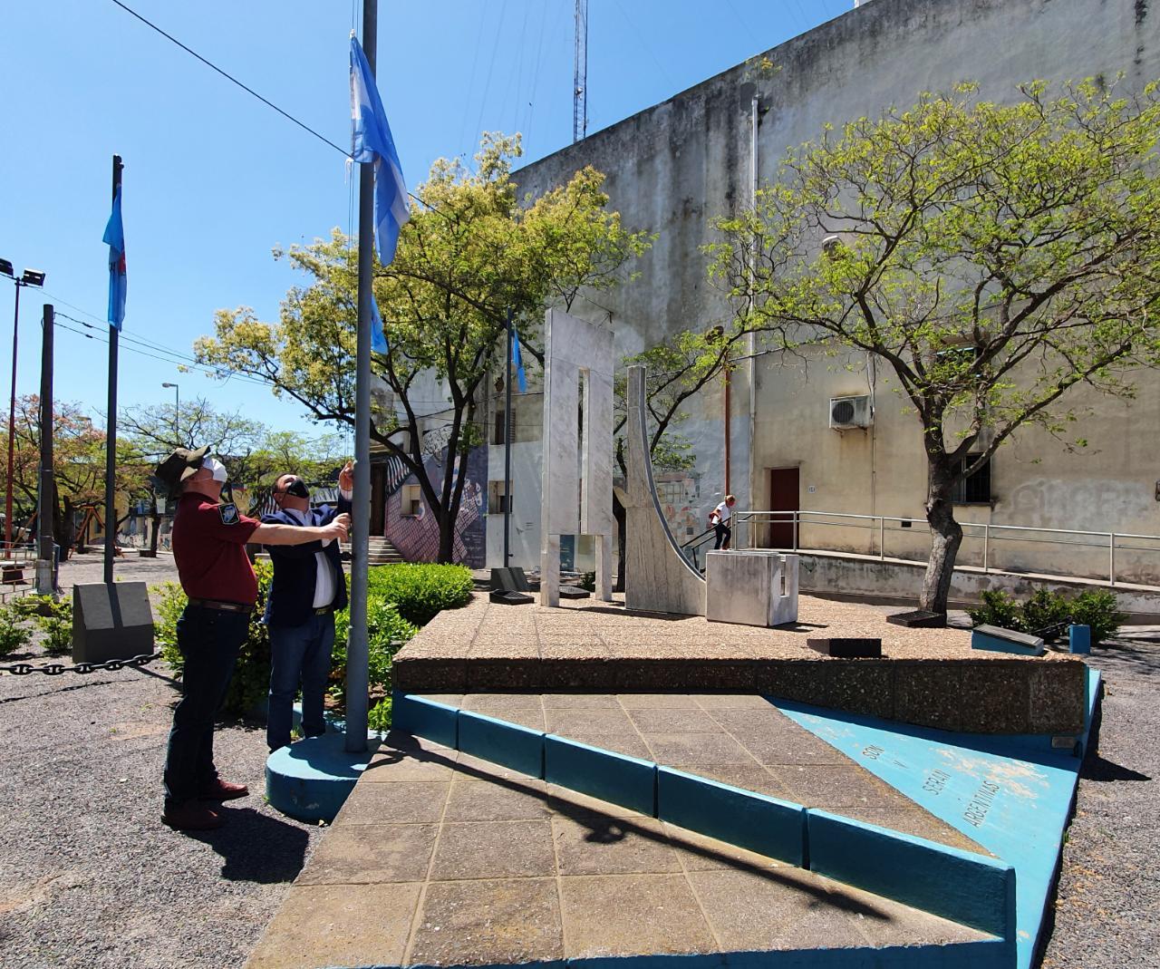 Acto en conmemoración del Bicentenario del primer izamiento de la Bandera Argentina en las Islas Malvinas