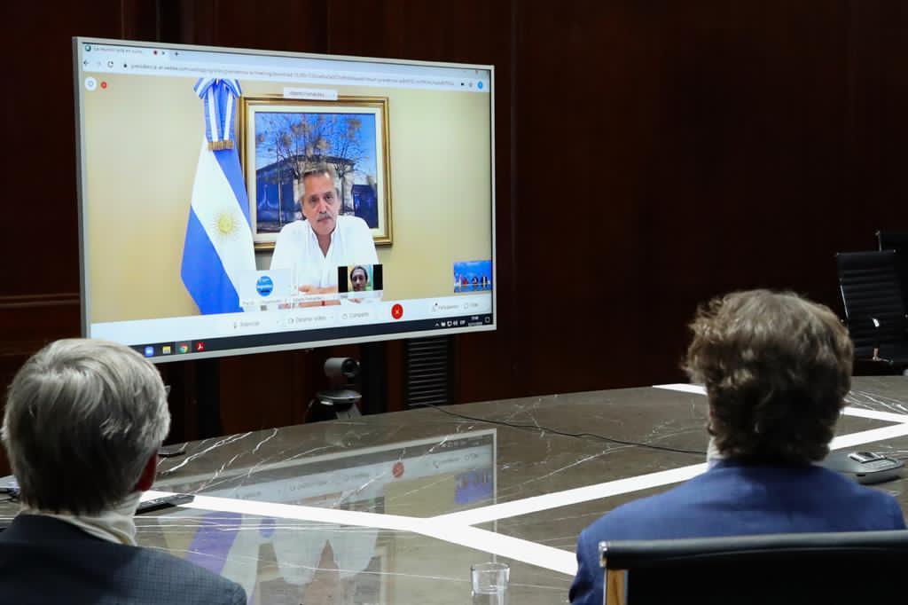 Alberto Fernández se reunió por teleconferencia con empresarios australianos que buscan invertir en energías renovables en el país