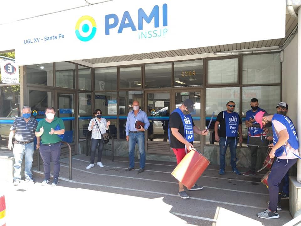 Quite de colaboración de les trabajadores del PAMI