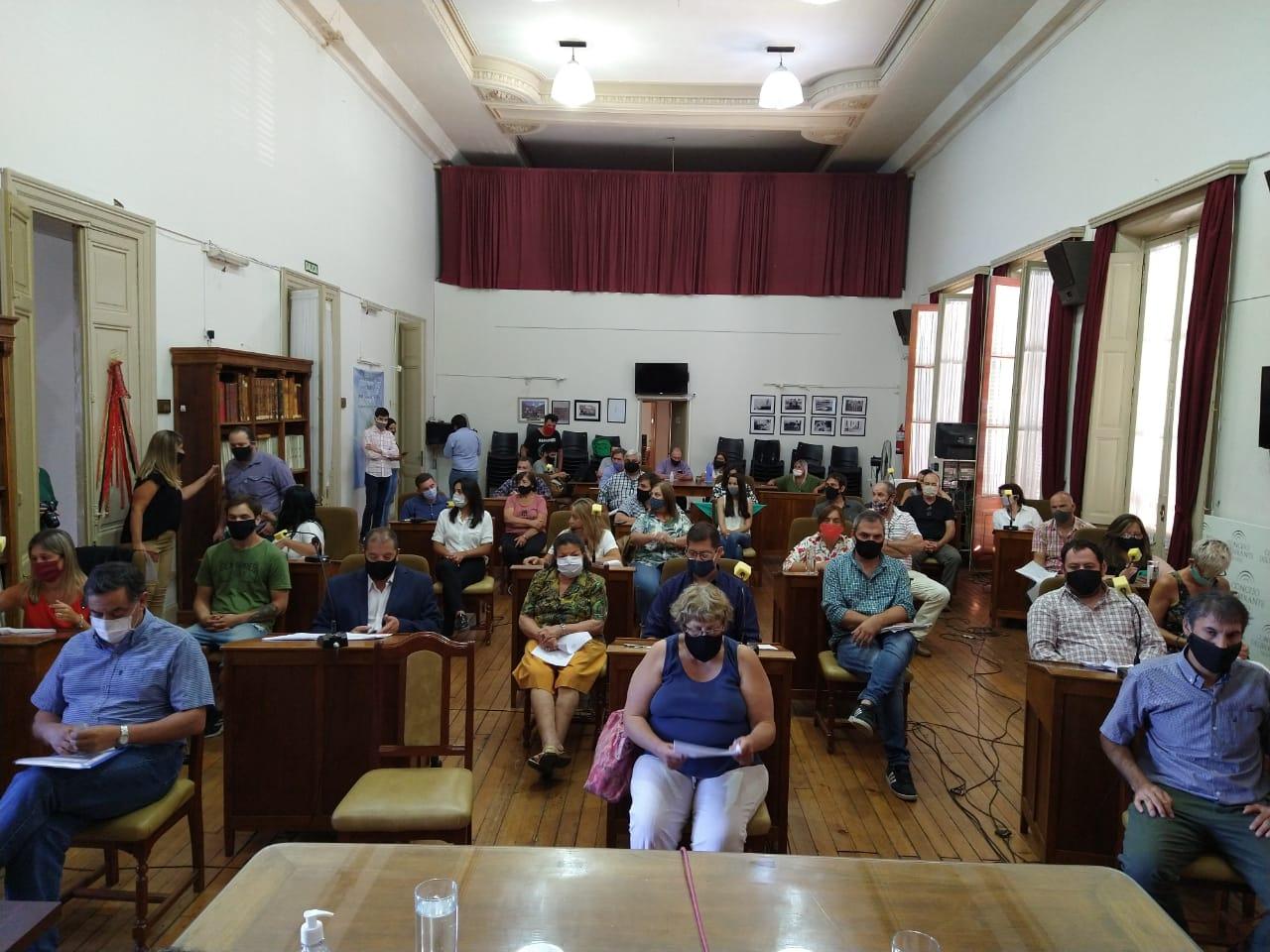 Concejo: Mayores Contribuyentes y Sesión extraordinaria