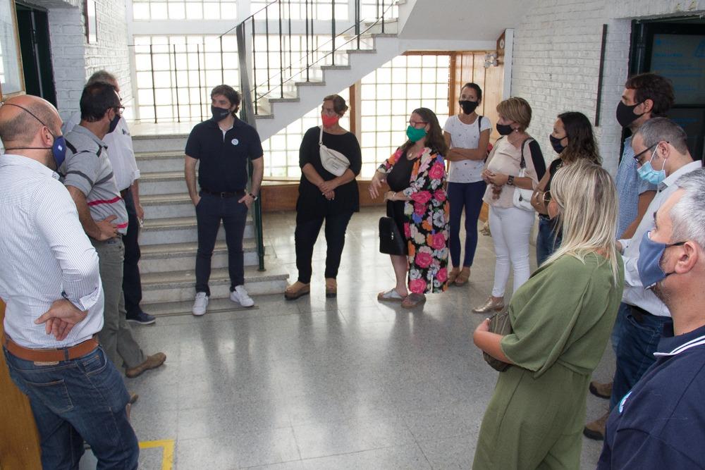 El gerente general de Fabricaciones Militares Nicolás Panichelli se reunió con los trabajadores de Fanazul despedidos por el gobierno de Macri