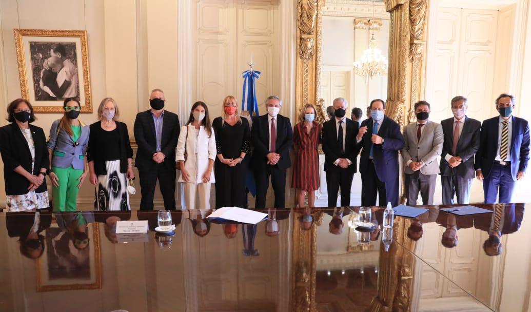 El Presidente recibió el informe del Consejo Consultivo para la reforma del sistema judicial