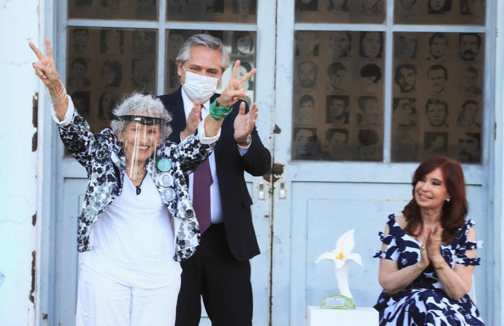 """Alberto Fernández: """"El reencuentro de los argentinos es no olvidar, reclamar la verdad y pedir justicia"""""""
