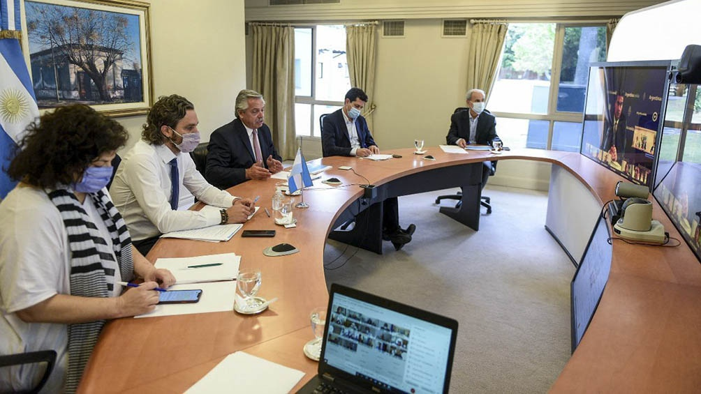 El Presidente y los gobernadores de acuerdo en medidas para limitar la circulación
