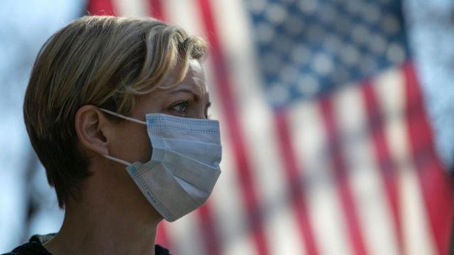En nuevo récord mundial diario, las muertes por COVID-19 en EE.UU. superaron las 4.000