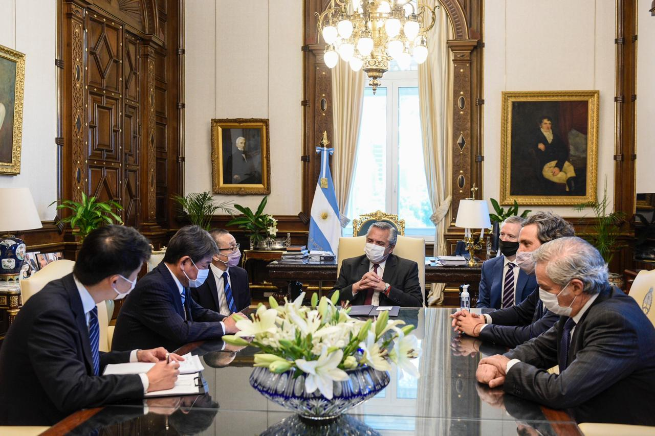 El Presidente se reunió con el ministro de Relaciones Exteriores de Japón y acordaron estrechar vínculos entre ambas naciones