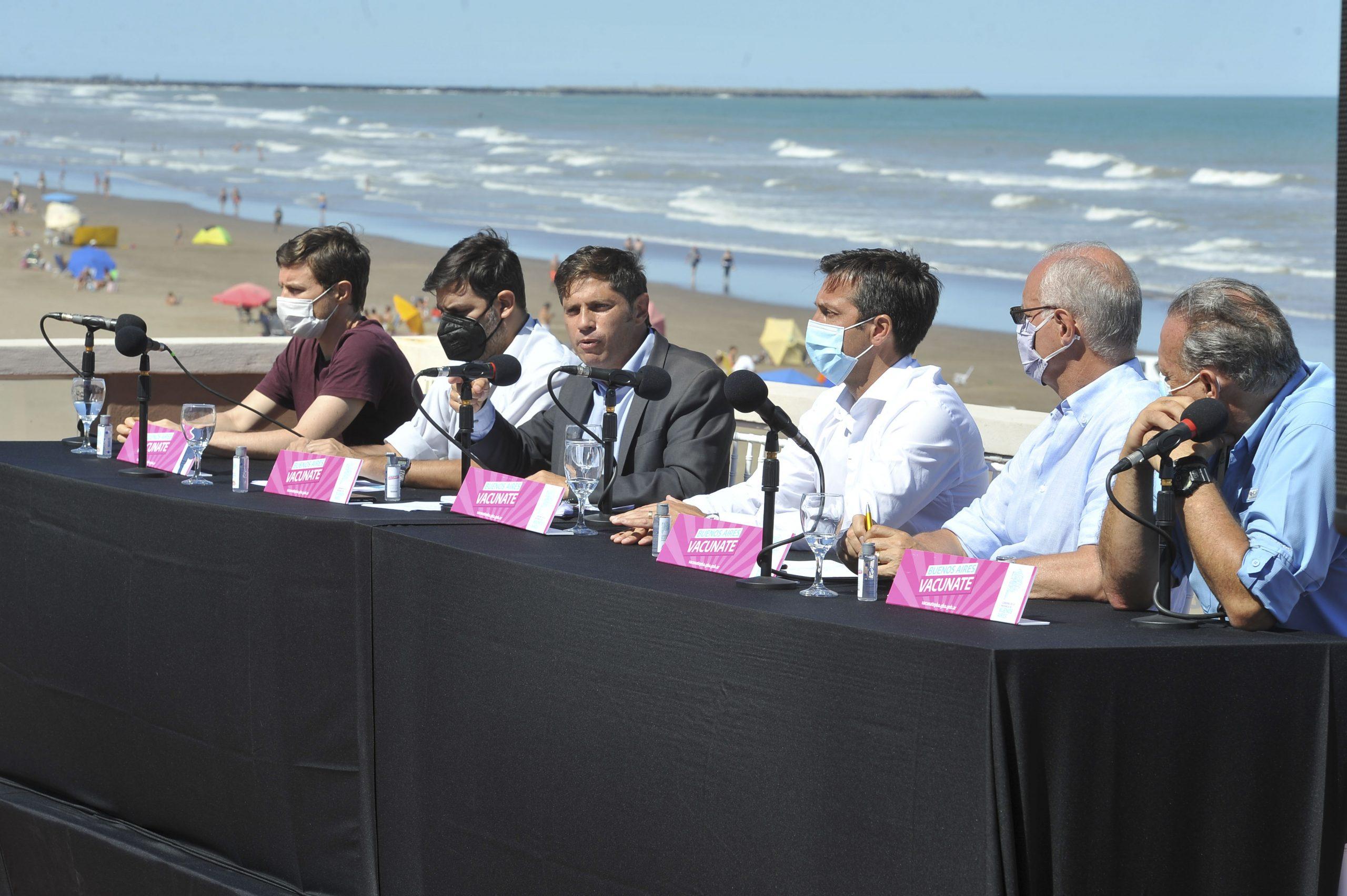 """Kicillof: """"Todos los bonaerenses que quieren vacunarse le ganaron a la campaña antivacunas"""""""