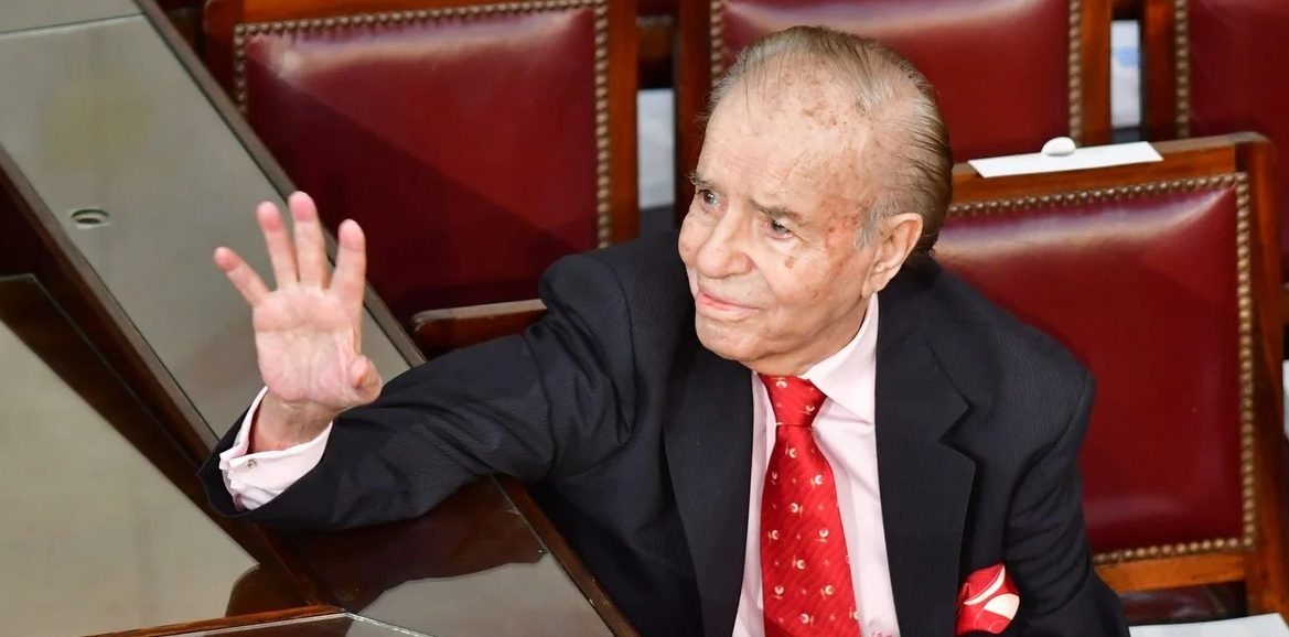El Presidente decretó tres días de duelo nacional por la muerte de Carlos Saúl Menem