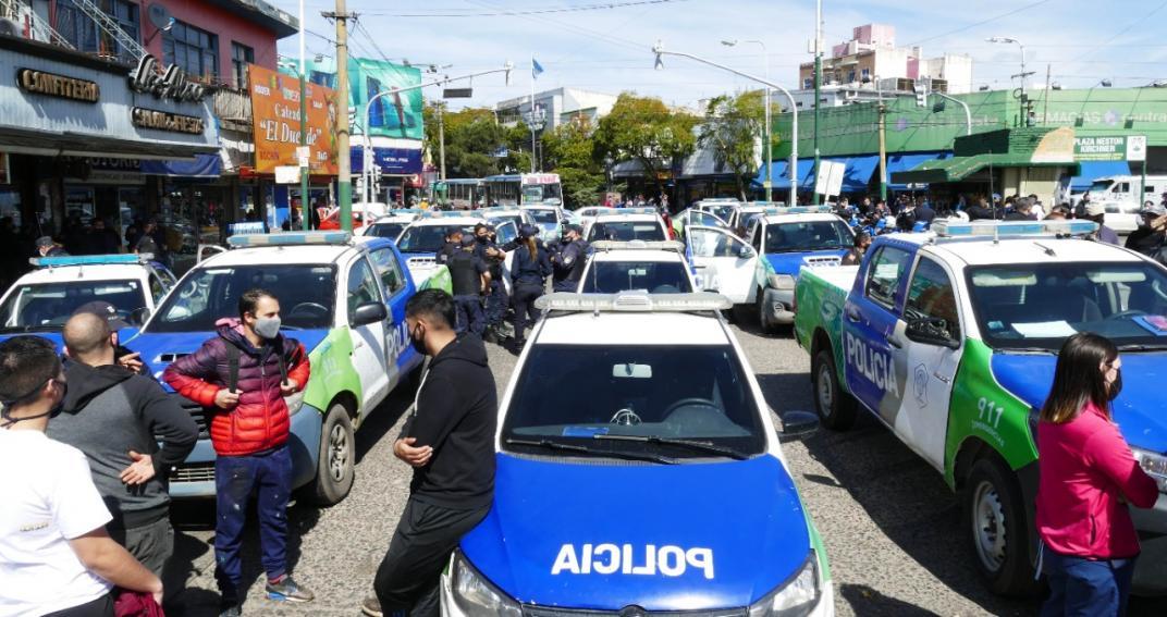 La provincia desafecto a los policías que se manifestaron contra el gobierno