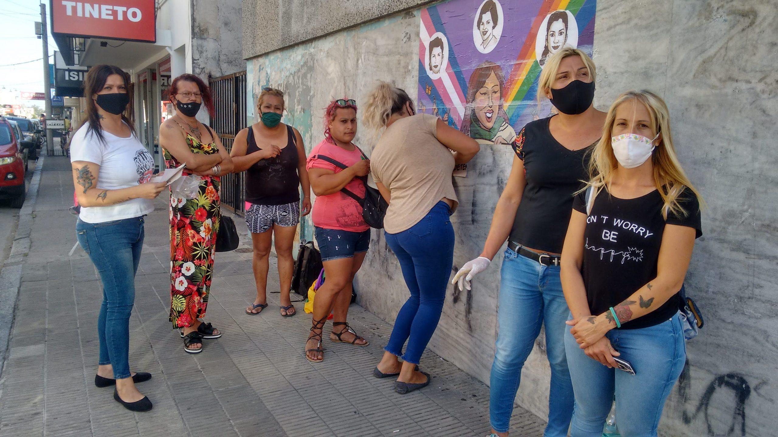 Mural, concentración en Plaza San Martín y movilización por el 8M en Azul