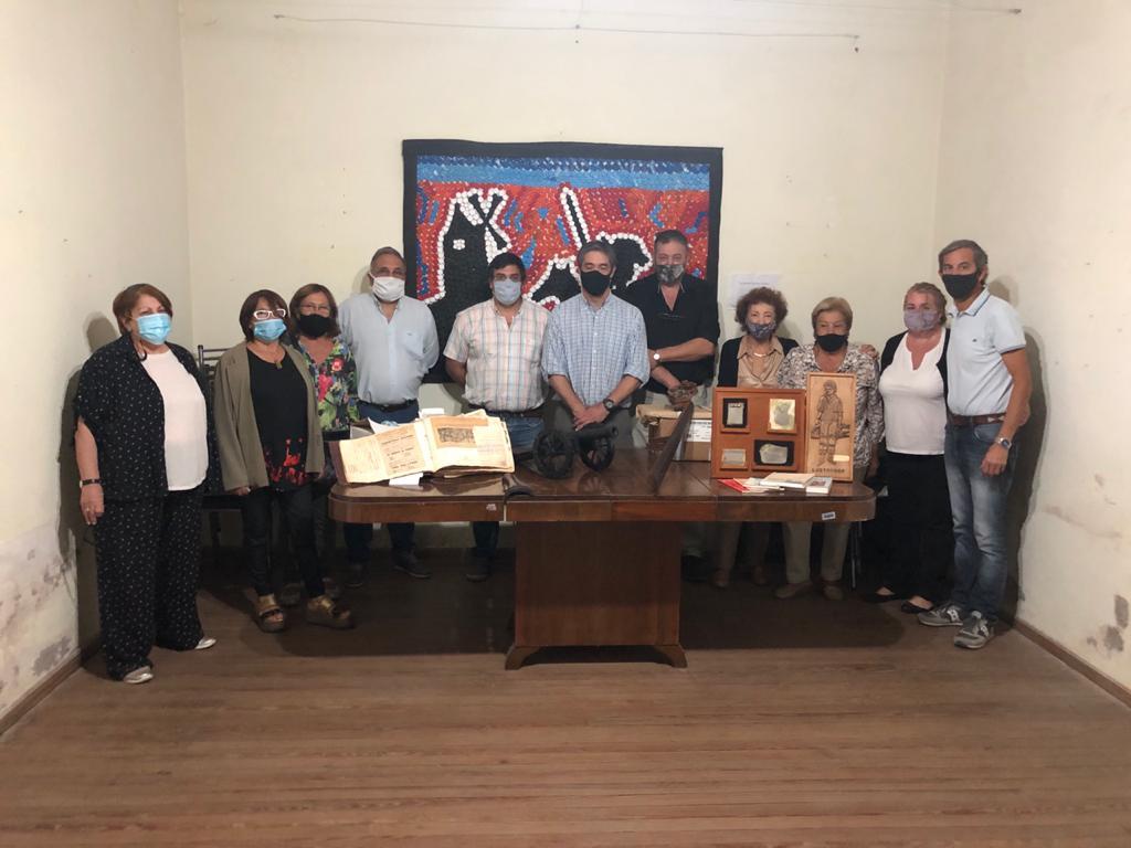 La Asociación Española recibió importante donación de patrimonio cultural y personal