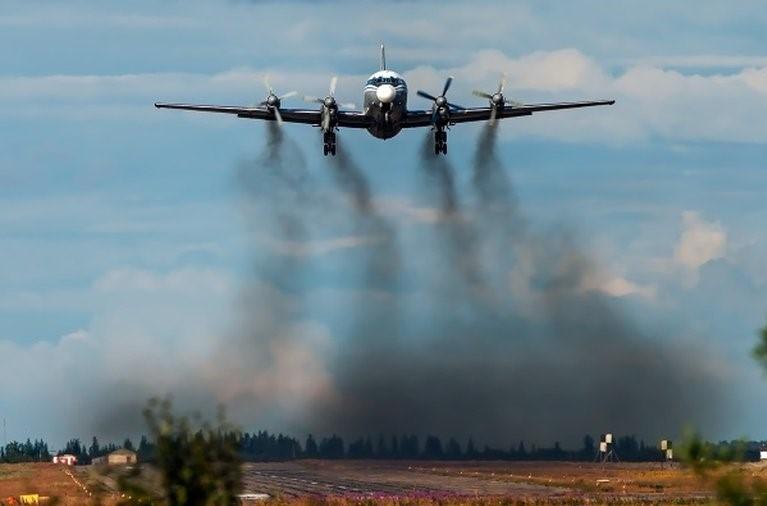 Capacitan a profesionales y técnicos sobre transporte aéreo y cambio climático