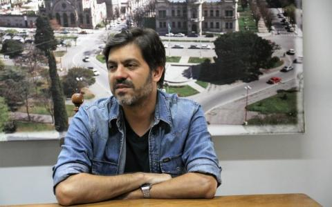 El ministro Carlos Bianco confirmó que las cloacas para Cacharí se harán a través del municipio