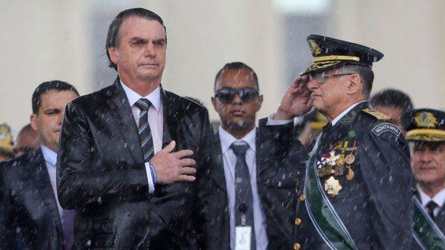 Brasil se sumerge en una crisis al tiempo que aumentan las muertes por COVID-19