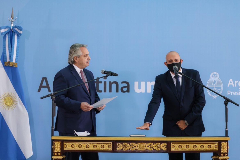 El Presidente tomó juramento como nuevo ministro de Transporte a Alexis Guerrera