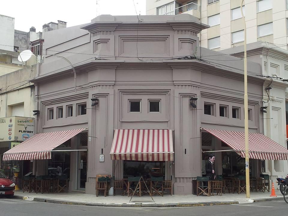 La comuna acordó con bares y restaurantes el uso del espacio público sin costo