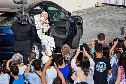 """Orar por un """"mundo con finanzas justas"""" pide el papa Francisco en mayo"""