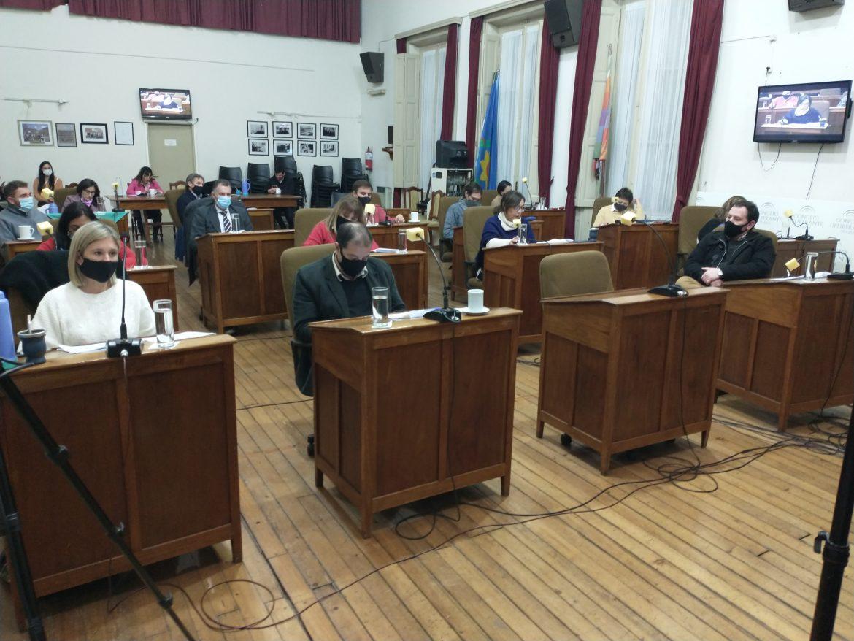 Concejales de Juntos por el Cambio molestos por la entrega de documentos en el Concejo