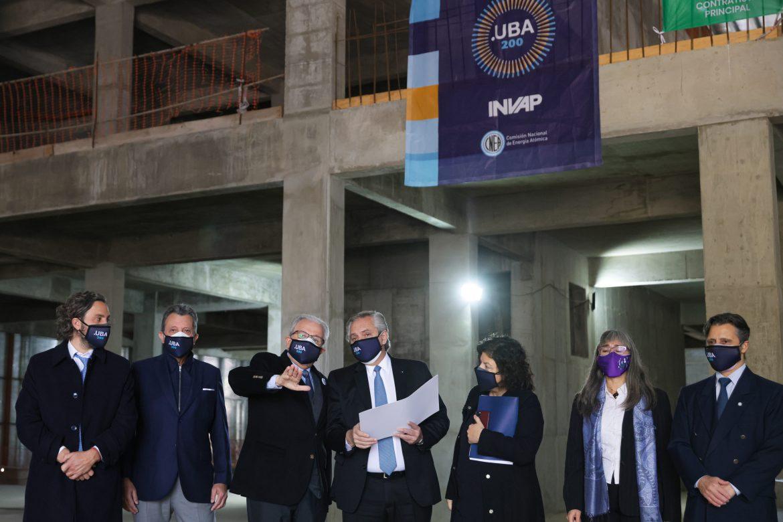 El Presidente destacó que el Centro Argentino de Protonterapia ayudará a miles de personas afectadas por el cáncer a mejorar su calidad de vida