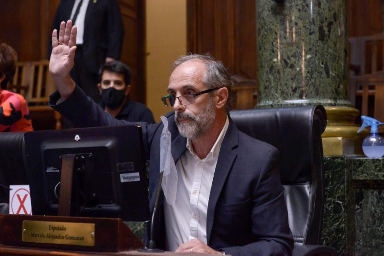 El legislador Morresi pidió la renuncia de Macri a su cargo en FIFA