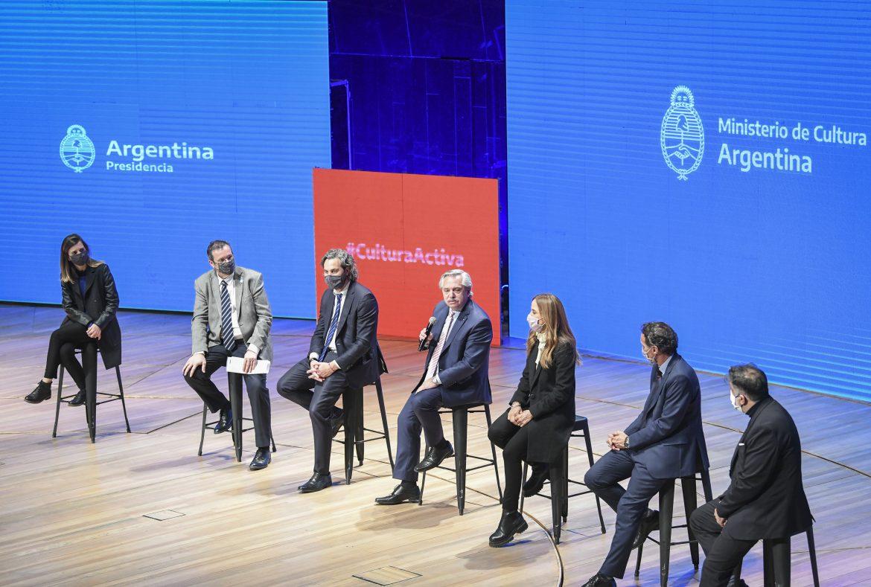 """Alberto Fernández: """"Llegó la hora, con toda la fuerza y el apoyo que el Estado tiene que poner, de que las actividades culturales rápidamente se recuperen"""""""