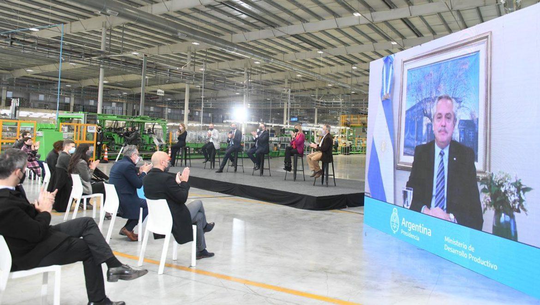 """El Presidente destacó que con mayor consumo """"van a ganar los empresarios que invierten, los trabajadores y los consumidores"""""""
