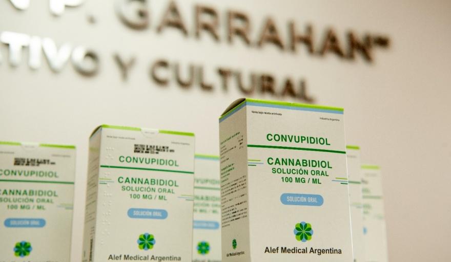 El Ministerio de Salud realizó la primera entrega de cannabis medicinal a pacientes con epilepsia