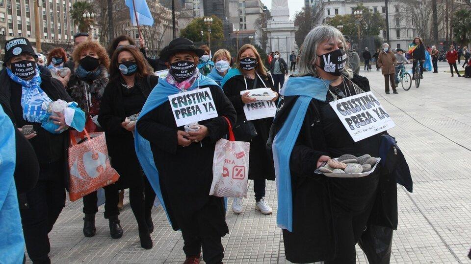 """""""Marcha de las piedras"""": el Gobierno construirá un espacio de memoria"""