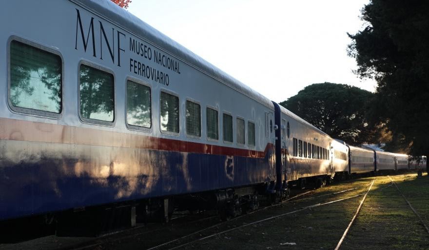 Un tren museo itinerante comienza a circular por el territorio bonaerense