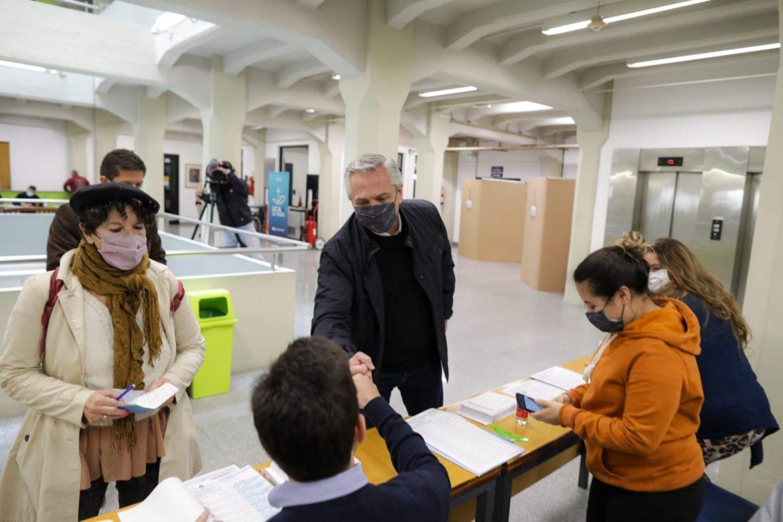 """Alberto Fernández: """"Cada vez que en la Argentina se vota hacemos un poco más fuerte la democracia"""""""